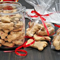 3 Easy Baked Dog Treats to Make This Weekend