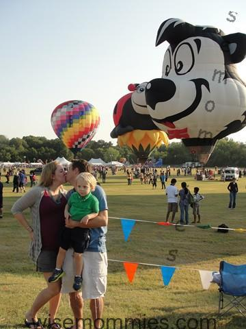 hot air_balloon_festival_kissing_2_Copy